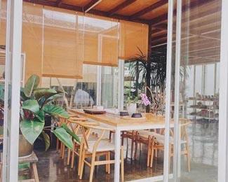 在南宁,有一对设计师夫妻租深山破房改为设计室